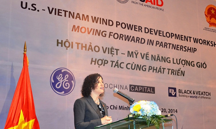 Consul General Opens First US-VN Wind Power Workshop