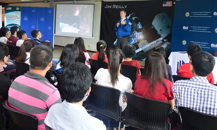 Mr. Jim Reilly shares his space life experience to students
