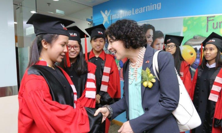 Consul General Rena Bitter interacts with the students