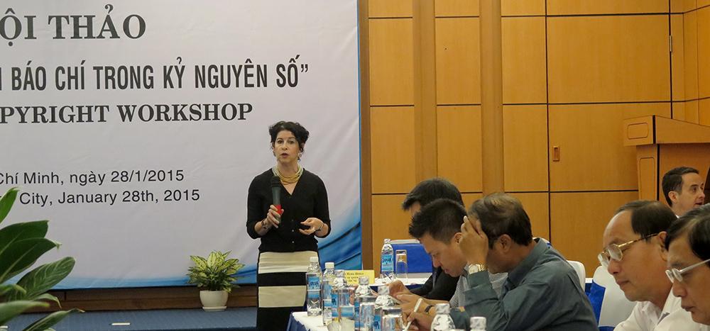 Tổng Lãnh sự Rena Bitter phát biểu khai mạc hội thảo