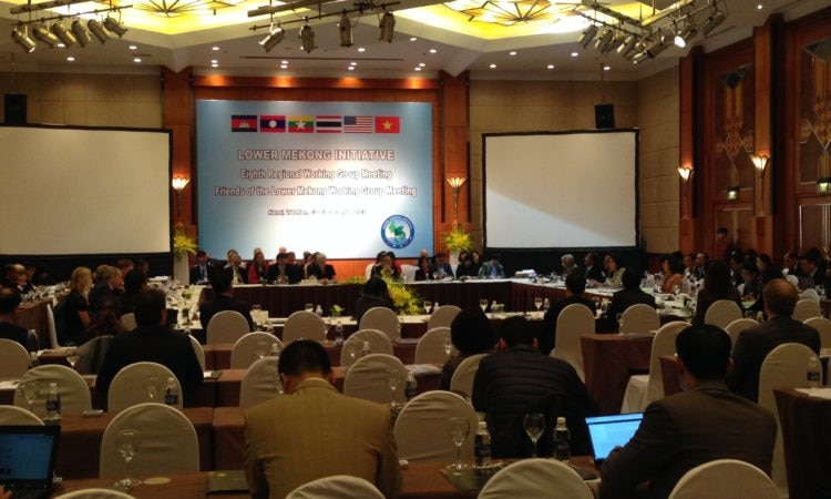 Experts Meet to Implement the Lower Mekong Initiative Master Plan of Action 2016-2020