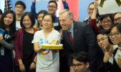Đại sứ Ted Osius thảo luận với thanh niên Việt Nam về những thay đổi tích cực do thanh niên dẫn dắt